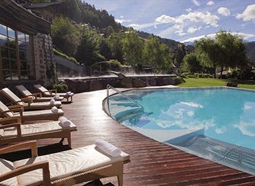 piscina coperta hotel adler dolomiti