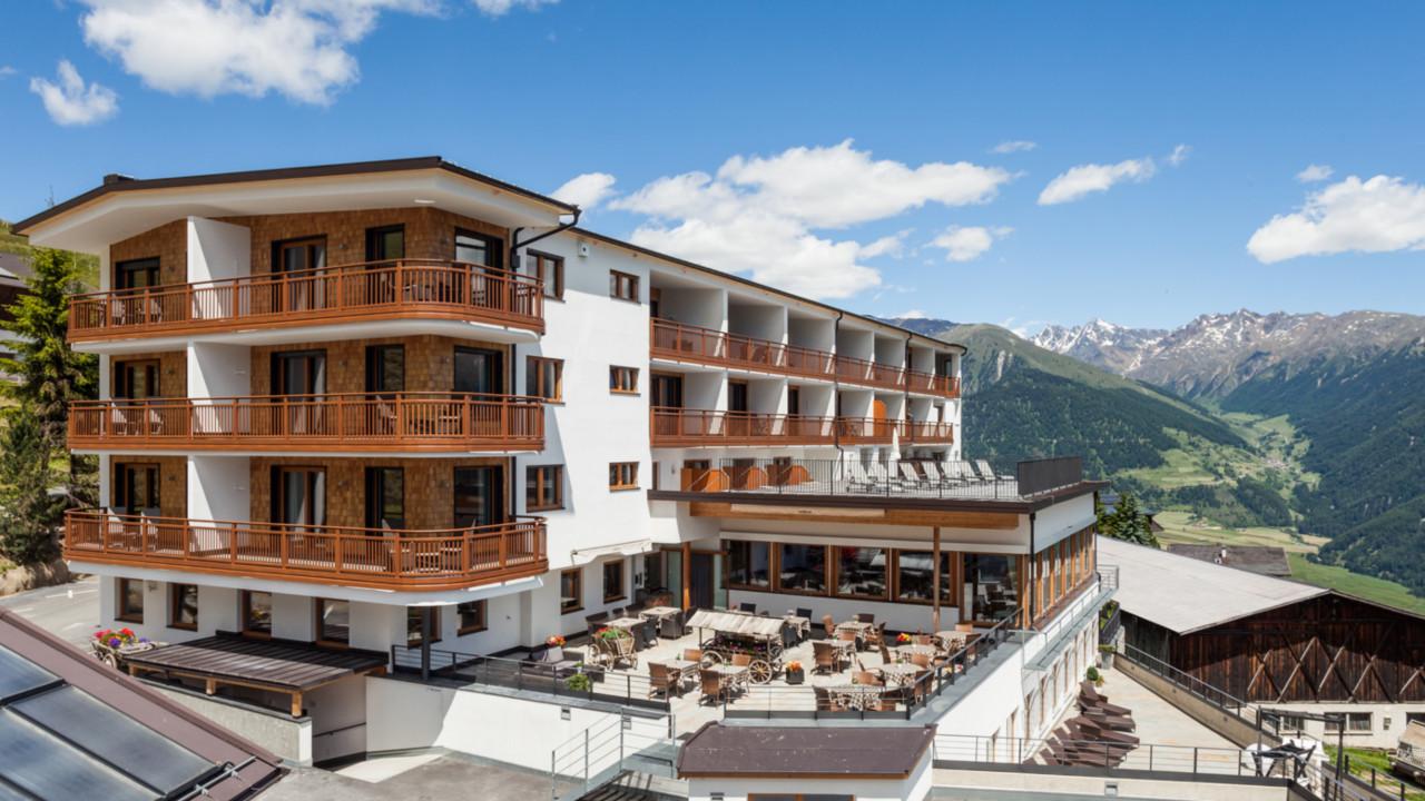 Hotel Watles Malles Val Venosta