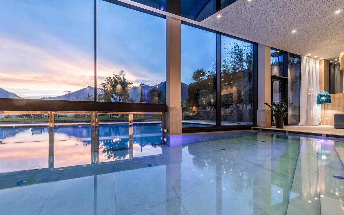 Piscina interna esterna - Schenna Resort Merano