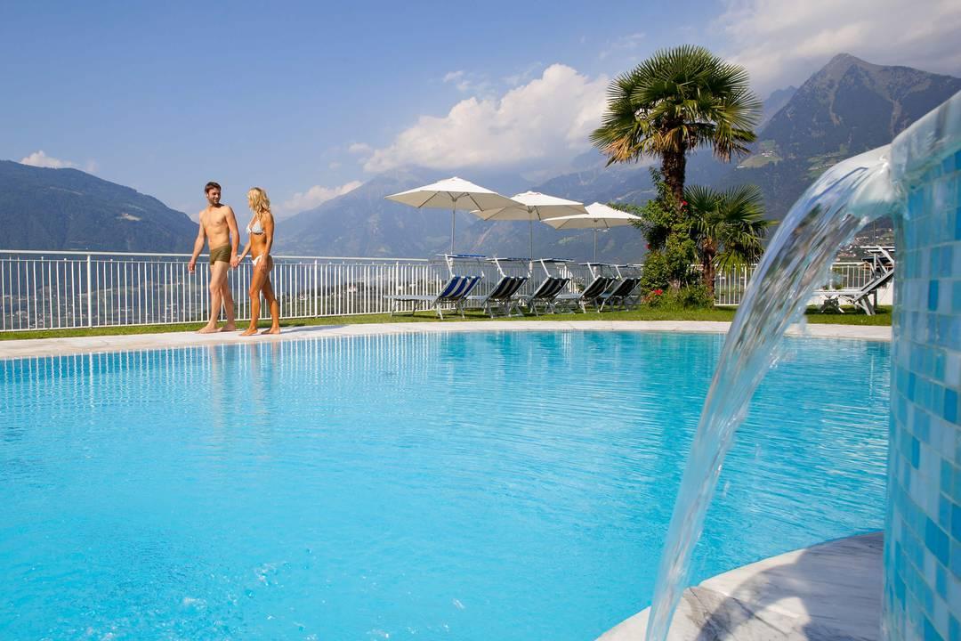 Piscina esterna - Schenna Resort Merano